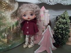 My Little Christmas Angel..... (simplychictiques) Tags: blythetoys blythecompanion dolls doll toy christmas2019 otherdolls plastic vinyltypedolls buttoncottageoutfit christmasdecor dollphotography spokanewashington naturalmohair ooakdoll angel