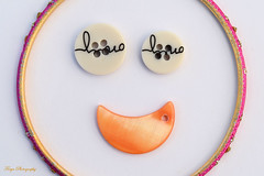 Smile... (Maria Godfrida) Tags: ღღcosasdecasaღღ buttons closeup macro smile smiley happy objects whitebackground