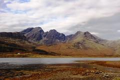 DSC03112 Torrin, Isle of Skye (Fernando Sa Rapita) Tags: scotland skye isleofskye highlands hebridas torrin sony sonyrx100 sonydscrx100 landscape paisaje mountains montañas cuillin blabheinn blackcuillin slapin lochslapin loch lake lago