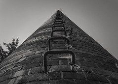 2_1 (KRR_3) Tags: huawei p30pro bw chimney ladder stairs