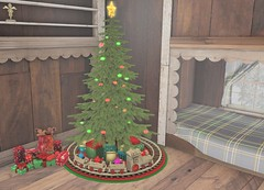 #1284 (AddisonLynnRose Resident) Tags: second life sl home decor christmas holidays winter mooh driftwood event