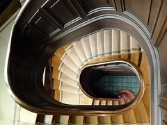 Schütting (Fabrice-Jared) Tags: bremen treppe stairs schütting treppenhaus x10 fujifilm