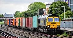 66568 @ Eastleigh (A J transport) Tags: class66 66568 diesel freight freightliner railway trains boxes eastleigh station platform nikkon d5300 dlsr railways train