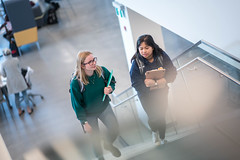 UBC-Brand-Ok Campus_3418 (UBC Okanagan Communications & Marketing) Tags: okanagancampus students campus inside commons stairs