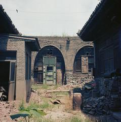 in Shanxi (Vinzent M) Tags: provia fuji china zniv rollei rolleiflex 35 f zeiss planar 中国 pingyao 平遥 shanxi 山西