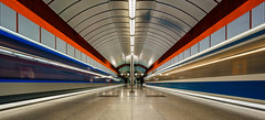 mystik forms and colours (K.H.Reichert [ ... ]) Tags: symmetrie kreilerstrase bahnhof ubahnmuenchen ubahn geometrie train architektur architecture railway night subway station nachtfoto