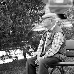 Meditating about Life: Past, Present and Future (pedrosimoes7) Tags: meditation meditatingaboutlife street streetpassionaward streetimages streetshot streetlife blackandwhite blackwhite blackwhitepassionaward blackandwhiteonly elderly elderlypeople expression nuestrosancianos ancianos