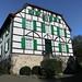 Gruiten-Dorf, Doktorshaus (julia_HalleFotoFan) Tags: gruiten gruitendorf haan kreismettmann nordrheinwestfalen bergischeshaus bergischerdreiklang schiefer fachwerk