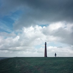 lighthouse (Jos Mecklenfeld) Tags: lighthouse leuchtturm vuurtoren dike deich dijk huisduinen noordholland netherlands niederlande nederland