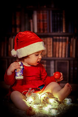 Emilia's second christmas (A.K. 90) Tags: red christmas xmas weihnacht people human child children kinder kind girl mädchen portrait sonyalpha6300 fe85mm18