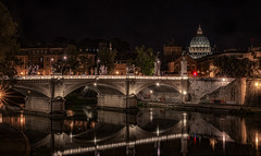 the red traffic light (Anton Werner - Bildermix) Tags: rom italy night tiber bridge lights