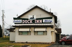 Duck Inn Supper Club - Richmond, Wisconsin (Cragin Spring) Tags: wisconsin wi walworthcounty restaurant supperclub duckinn dining cocktails sign richmond richmondwi richmondwisconsin delevan duckinnsupperclub duck neon neonsign vintage vintagesign oldsign rural
