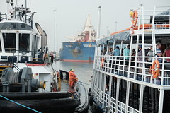 Crowded lock (Carlos A. Aviles) Tags: ships barcos vessels panama canal