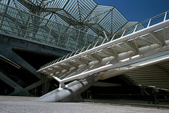 Oriente station, Lisboa (bruno vanbesien) Tags: lisboa portugal architecture bridge contemporary engineering station
