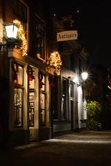 Walstraat Deventer (l-vandervegt) Tags: 2019 nikon d3200 tamron nederland netherlands holland niederlande overijssel deventer walstraat nachtfotografie nightphotography christmas dickens