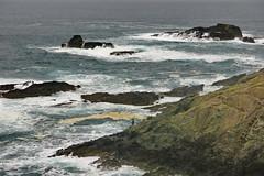 El pescador solitario (Micheo) Tags: spain sendacosteranaviega asturias cantábrico sea water olas waves sendero pescador small pequeño diminuto relativo fisherman rod caña