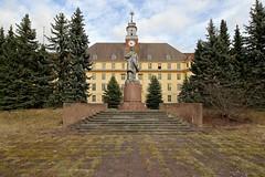 lenin (Captured Entropy) Tags: lenin gssd wünsdorf lostplace urbex derelict abandoned