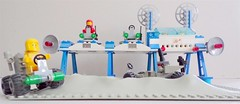 Lego 6930 Space supply station (Zoltar72) Tags: lego classic space