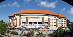 Spanduk Perdamaian - Pasar Badung (Ya, saya inBaliTimur) Tags: denpasar bali banner spanduk building gedung arsitektur architecture pasar market