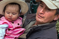 Father with daughter (klauslang99) Tags: klauslang streetphotography portrait father daughter family love embrace cuenca ecuador