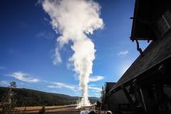 Yellowstone National Park (Yuki (8-ballmabelleamie)) Tags: yellowstonenationalpark usnationalparks geyser volcano momentoferuption wilderness nature bluesky morning oldfaithfulinn wyoming superwideanglelens