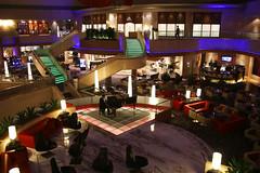 Marina Mandarin Hotel, Singapore, October 12th 2018 (Southsea_Matt) Tags: canon 80d sigma 1850mm october 2018 autumn singapore marinamandarin hotel lobby night