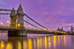 Il vecchio ponte / The old Bridge (Hammersmith, London, United Kingdom) (AndreaPucci) Tags: hammersmith bridge london uk andreapucci night