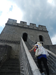 Ascent (marco_albcs) Tags: china greatwall mutianyu streetphotography travel tourist ascencion stairs steepclimb wall imponent monumental