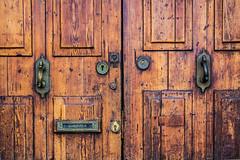 Spain - Mallorca - Palma - Old door (Marcial Bernabeu) Tags: marc marcial bernabeu bernabéu spain españa europe europa mediterranean balearic island isla baleares mallorca majorca palma old door brown antique wood madera vieja antigua puerta marrón