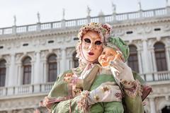 Carnevale Venezia (Tiziana de Martino) Tags: carnevale venezia venetian carnival italia italy italian maschera di mask laguna