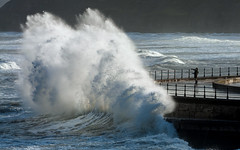 Wave (Derwisz) Tags: waves sea seascape seaside coast yorkshire nothyorkshire canoneos40d landscape
