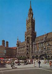 Postkarte / Deutschland (micky the pixel) Tags: postkarte postcard ephemera deutschland germany münchen munich bayern bavaria architektur gebäude building neuesrathaus marienplatz