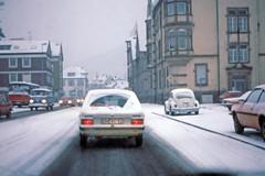 Snow day, in Lahr, West Germany, Feb 17th., 1978 (D70) Tags: snow day lahr west germany feb 17 1978 snowday westgermany feb17 ortenaukreis badenwürttemberg fzuiko autos 38mm f18 olympus pen f film scanned slide half frame kodacrome64