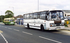 syks - gordons of rotherham b910upw dinnington 12-9-1992 (johnmightycat1) Tags: bus independent yorkshire