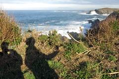 Nuestras sombras - con el sol (Micheo) Tags: spain senderodelacosta sendacosteranaviega asturias
