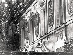 Maison de Maître (MRI2009) Tags: azaylerideau loire patrimoine maisondemaître noiretblanc