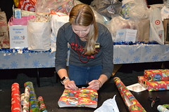 COD Cares wraps up The Season of Giving 2019 47 (COD Newsroom) Tags: collegeofdupage cod codcares itsawrapparty gifts giftdrive charity glenellyn dupage dupagecounty illinois college uptosnowgood