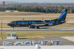 19-8973 (George Hamlin) Tags: virginia chantilly washington dulles international airport iad n36272 united airlines boeing 737800 aircraft airliner airplane narrowbody single aisle taxiway trees sky star wars promotion rise skywalker advertising photodecor george hamlin photography