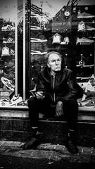 man in black (Rigpa22) Tags: street streetphotography sw strasse schwarz spiegelung bw black city cigarette man menschen mann