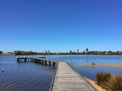 Perth and the Swan River (sander_sloots) Tags: maylands perth swan river city view water rivier iphone6 iphone jetty steiger australia skyline skyscrapers wolkenkrabbers australië darter blue sky