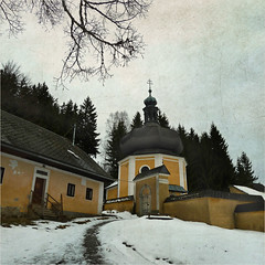 Yellow Chapel (pixel_unikat) Tags: austria mühlviertel chapel wall building yellow baroque snow winter