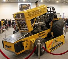 Yellow Nightmare (Schwanzus_Longus) Tags: essen motorshow german germany ih international harvester pull tractor pulling yellow nightmare