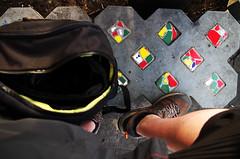 Vert Jaune Rouge (Atreides59) Tags: berlin germany allemagne deutschland urban urbain street pied foot pieds feet rouge red jaune yellow pentax k30 k 30 pentaxart atreides atreides59 cedriclafrance