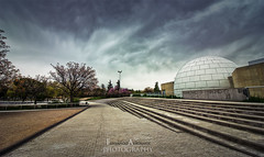 (FERN/\NDO /\LBORNOZ) Tags: urban scape canon sky cloudy colors wide angle architecture building city moment autumn winter street perspective 1018mm