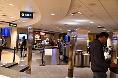 DSC_7902 (earthdog) Tags: 2019 needstags needstitle nikon d7500 nikond7500 18300mmf3563 travel businesstravel airport sandiego san indoor