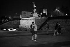 untitled (gregor.zukowski) Tags: warsaw warszawa street streetphoto streetphotography peopleinthecity candid urban blackandwhite blackandwhitestreetphotography bw kiss love siren summer night nightlife fujifilm