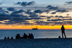 LeHavre08092019_1938 (mpfoto7648) Tags: lehavre nature mer see boat bateaux nuit night black sun sunrise yellow jaune