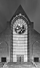 Cathédrale N.D. de la Treille (DOMVILL) Tags: domvill wwwflickrcompeoplevildom cathédrale église parvis monochrome monument lille nord hautsdefrance france nb bw noiretblanc notredamedelatreille architecture
