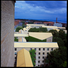 Aarhus University (Jens Jacob - Hej!) Tags: twinlensrefleks fujirdpiii fuji slide mediumformat mellemformat tlr film rollei e6 v700 perfectionv700 zeiss epsonperfectionv700 6x6 120 rolleiflex28e aarhus centraldenmarkregion denmark