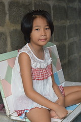 pretty girl seated (the foreign photographer - ฝรั่งถ่) Tags: pretty girl child seated khlong thanon portraits bangkhen bangkok thailand nikon d3200